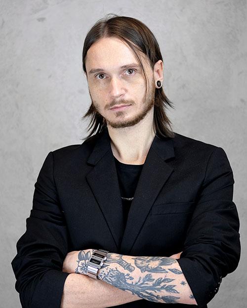 Adrian Zowczak – Właściciel