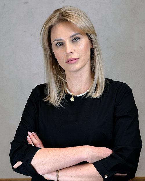 Aleksandra Bartocha  – Menadżerka